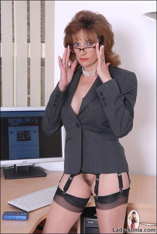 голые бизнес-леди фото