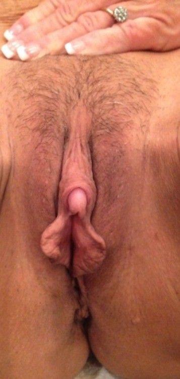 choune poilue aspire clito
